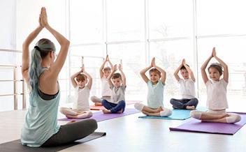 Курс: инструктор групповых программ. Направление: Ambo Yoga Kids (Детская логопедическая йога)
