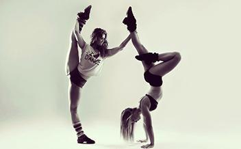 """Курс: инструктор групповых программ. Направление """"Акробатический танец"""""""