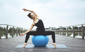 Курс: инструктор групповых программ. Направление: Yoga Ball